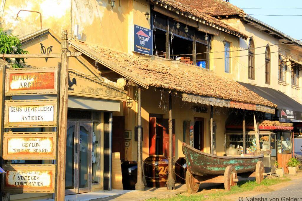 Galle-Fort-shopping-Sri-Lanka
