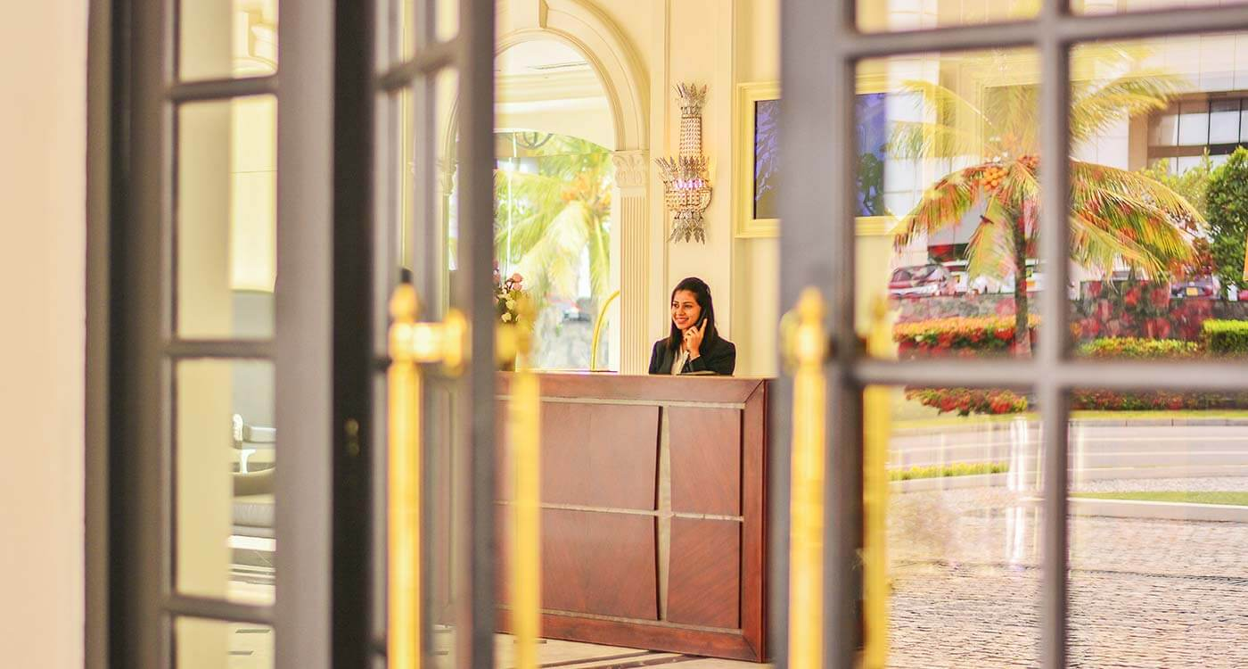 Front Desk at The Kingsbury Hotel Colombo