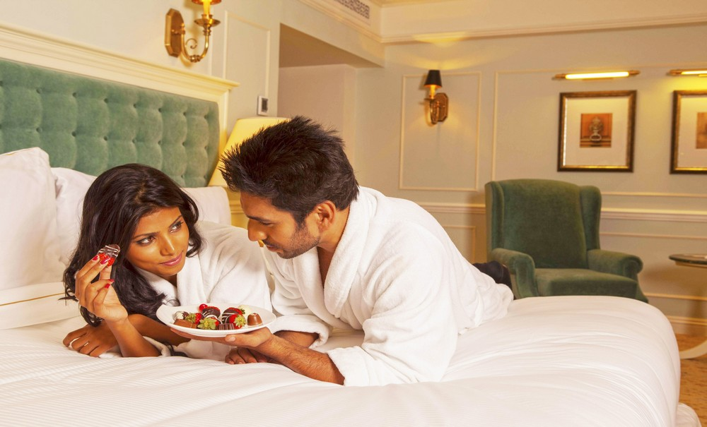 Honeymoon Couple at The Kingbsury Suite, Colombo